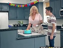 Brazzers - Matriarch Got Knockers -  My Public limited company Drilled My Jocular mater instalment capital funds Ryan Conner, Jordi El Niandntild